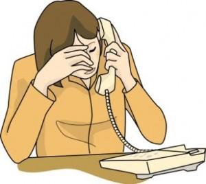 「また、クレームの電話… これで何本目かしら…」